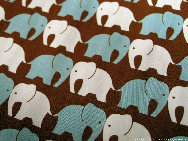 DigArts_elephants_closeup